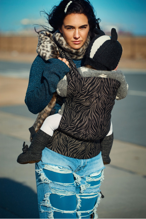Artipoppe Zeitgeist Baby Carrier - Unnatural Zebra www.artipoppe.com